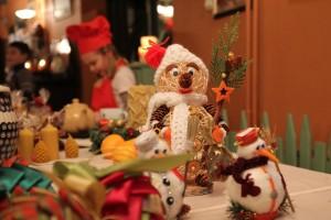 miody, pierniki i świąteczne stroiki